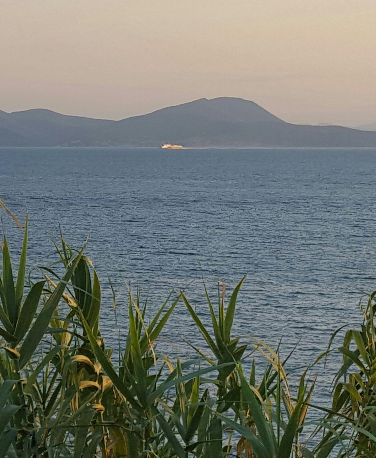l'isola al tramonto